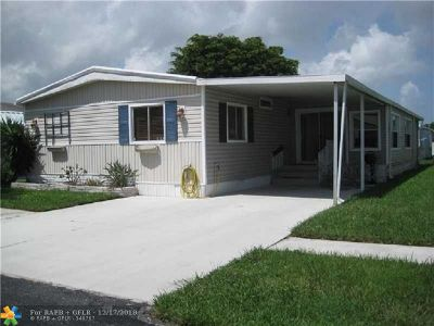 Pompano Beach FL Single Family Home For Sale: $143,900