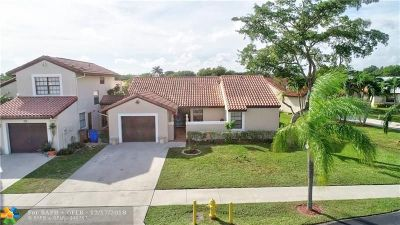 Deerfield Beach Single Family Home For Sale: 45 Columbia Ct