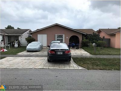 Hallandale Single Family Home For Sale: 816 SW 10th St