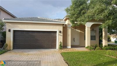 Miramar Single Family Home For Sale: 13237 SW 54th Ct