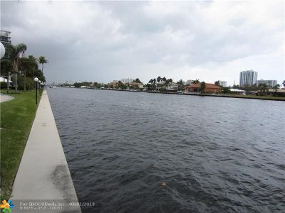 Fort Lauderdale Condo/Townhouse For Sale: 6349 Bay Club Dr #2
