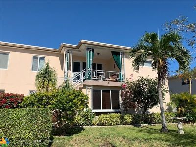 Broward County , Palm Beach County Condo/Townhouse For Sale: 3201 SE 12th St #C4