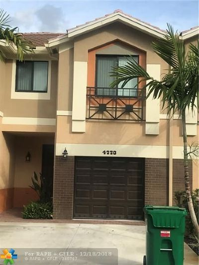 Davie Condo/Townhouse For Sale: 4770 E Station Sq #5