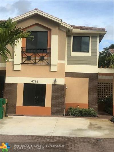 Davie Condo/Townhouse For Sale: 4766 E Station Sq #7