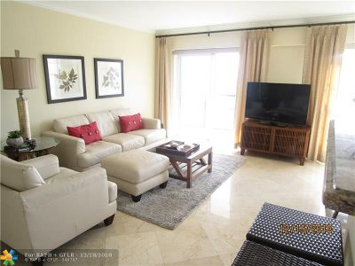 Broward County Condo/Townhouse For Sale: 5100 Dupont Blvd #6N