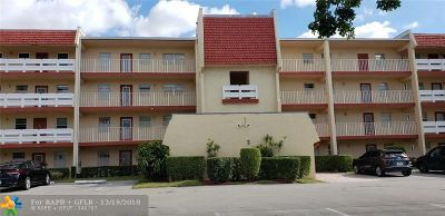 Margate Condo/Townhouse For Sale: 1015 Country Club Dr #402