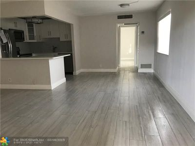 Delray Beach Condo/Townhouse For Sale: 3 Brittany A #3