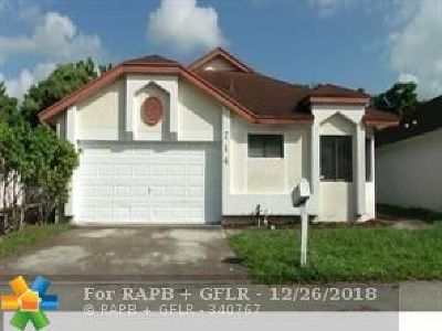 North Lauderdale Single Family Home For Sale: 714 Holly St