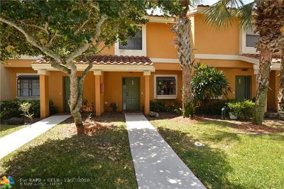 Coconut Creek Condo/Townhouse For Sale: 3700 Coral Tree Cir