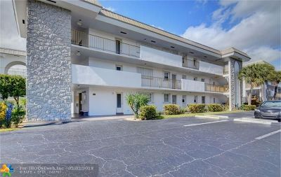 Boca Raton Condo/Townhouse For Sale: 5401 NW 2nd Ave #216