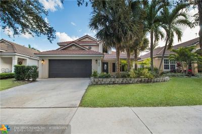 Delray Beach Single Family Home For Sale: 1040 Delray Lakes Drive