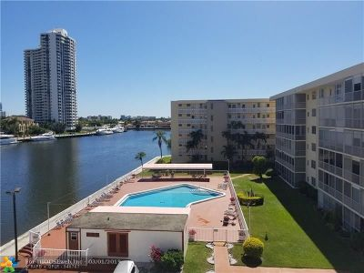 Aventura Condo/Townhouse For Sale: 2999 Point East Dr #C512