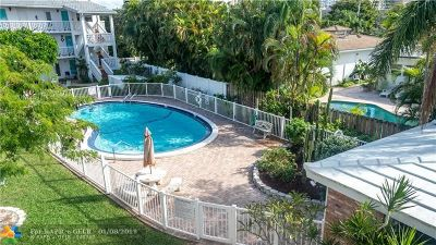 Lauderdale By The Sea Condo/Townhouse For Sale: 224 Hibiscus Ave #261