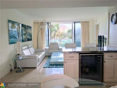 Broward County, Palm Beach County Condo/Townhouse For Sale: 333 NE 21st Ave #322