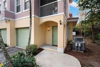 Coral Springs Condo/Townhouse For Sale: 6970 W Sample Rd #6970