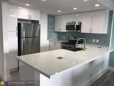 Hollywood Condo/Townhouse For Sale: 3800 S Ocean Drive #624