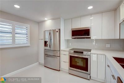 Lauderhill Condo/Townhouse For Sale: 3485 Environ Blvd #C305