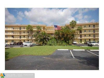 Boca Raton Condo/Townhouse For Sale: 9355 SW 8th St #121