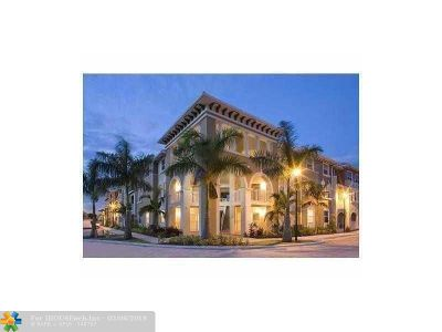 Doral Condo/Townhouse For Sale: 8899 NW 107th Ct #211