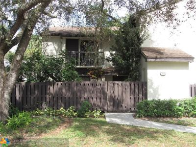 Coconut Creek Condo/Townhouse For Sale: 3597 Cocoplum Cir #3499