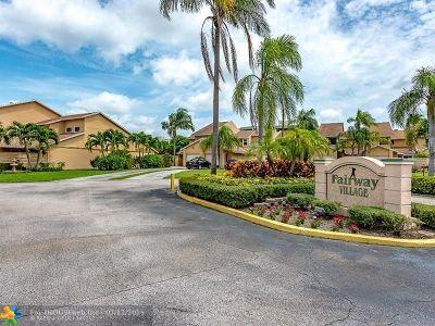 Boca Raton Condo/Townhouse For Sale: 6427 S Toulon Dr #2
