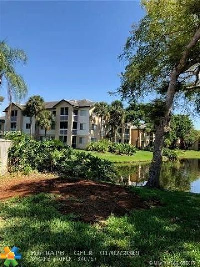 Coral Springs Condo/Townhouse For Sale: 9855 Westview Dr #727