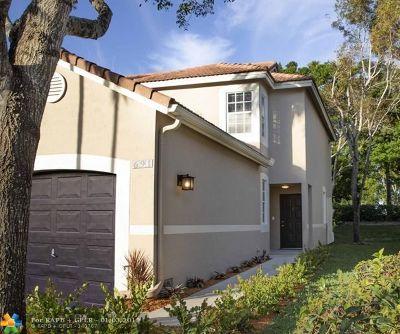 Weston Condo/Townhouse For Sale: 691 Talavera Rd #691