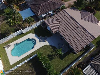 Oakland Park Single Family Home For Sale: 3429 NE 17th Way