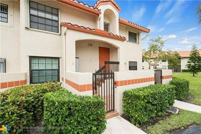 Deerfield Beach Condo/Townhouse For Sale: 912 Congressional Way #912