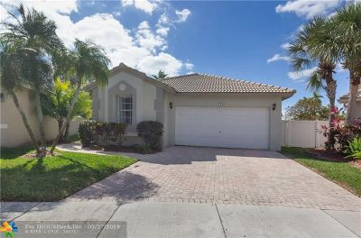 Pembroke Pines Single Family Home For Sale: 17136 NW 10th St