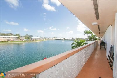 Hallandale Condo/Townhouse For Sale: 815 SW 11th Ave #18G
