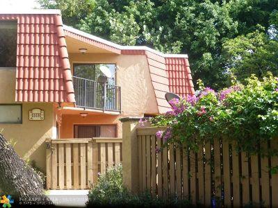 Boca Raton Condo/Townhouse For Sale: 8063 Severn Dr #D