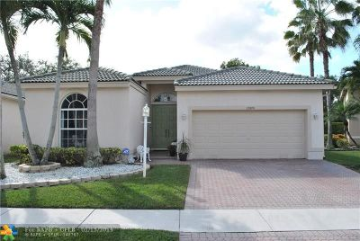 Coral Springs Single Family Home For Sale: 12070 NW 47th St