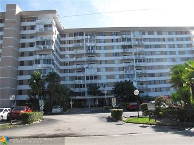 Hollywood Condo/Townhouse For Sale: 4200 Hillcrest Dr #202