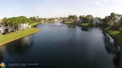 North Lauderdale Condo/Townhouse For Sale: 2148 Champions Way #2148