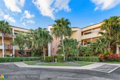 Boca Raton Condo/Townhouse For Sale: 7535 La Paz Blvd #301