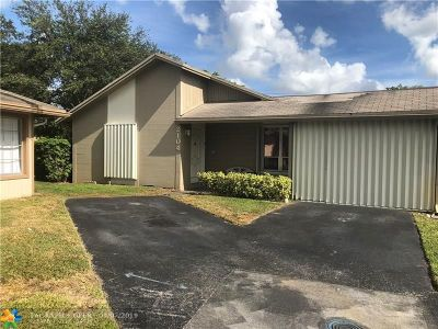 Davie Single Family Home For Sale: 2104 SW 71st Way