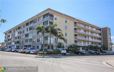 Lauderdale By The Sea Condo/Townhouse For Sale: 4117 Bougainvilla Dr #208