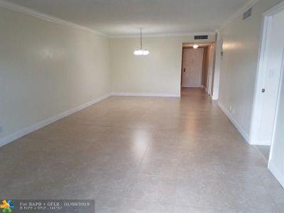 Lauderhill Condo/Townhouse For Sale: 6361 N Falls Circle Dr. #413