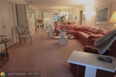 Pompano Beach Condo/Townhouse For Sale: 4221 W Palm Aire Dr #206