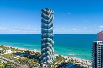 Sunny Isles Beach Condo/Townhouse For Sale: 19575 Collins Ave #23