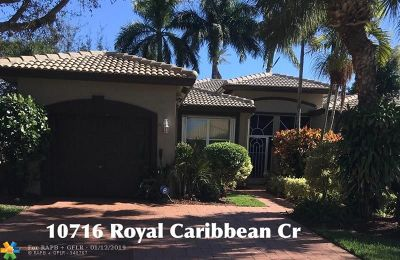 Boynton Beach Condo/Townhouse For Sale: 10716 Royal Caribbean Cir #10716