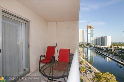 Sunny Isles Beach Condo/Townhouse For Sale: 400 Kings Point #1019