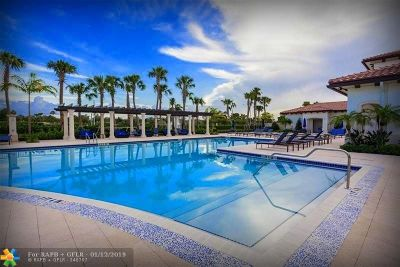 Pembroke Pines Condo/Townhouse For Sale: 11321 SW 15th St #11321