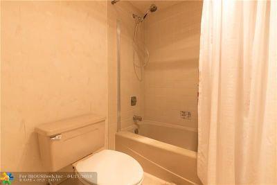 Pompano Beach Condo/Townhouse For Sale: 4000 Cypress Grove Way #309