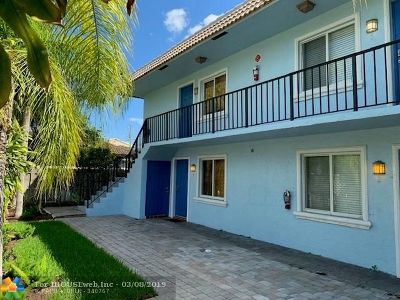 Wilton Manors Multi Family Home For Sale: 820 NE 28 St