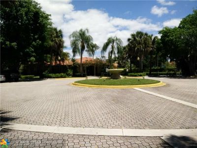 Plantation Condo/Townhouse For Sale: 10725 Cleary Blvd #103