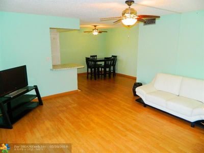 Boca Raton Condo/Townhouse For Sale: 1024 NW 13 St #229B