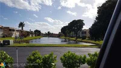 Delray Beach Condo/Townhouse For Sale: 396 Monaco I #396