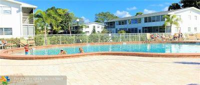 Deerfield Beach Condo/Townhouse For Sale: 615 Durham V #615